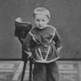 Jon, sønnen til Gunleik og Helene Johnsen (bror til Anne og Thomas)